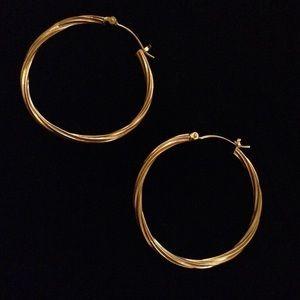 Jewelry - ✨10K GOLD ✨HOOP Earring